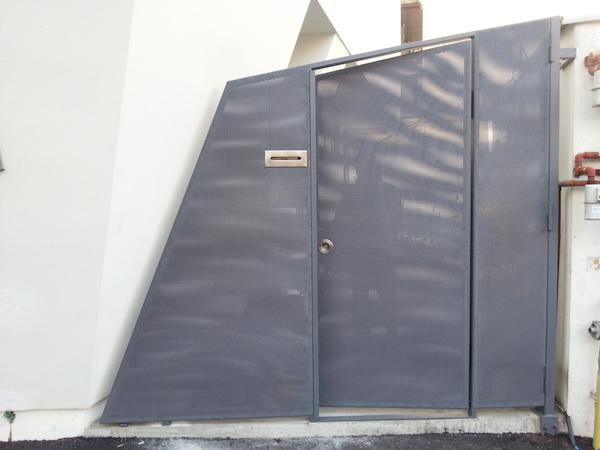 Poarta si gard din otel cu tabla zincata