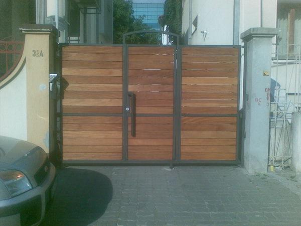 Poarta si gard din otel placat cu lemn
